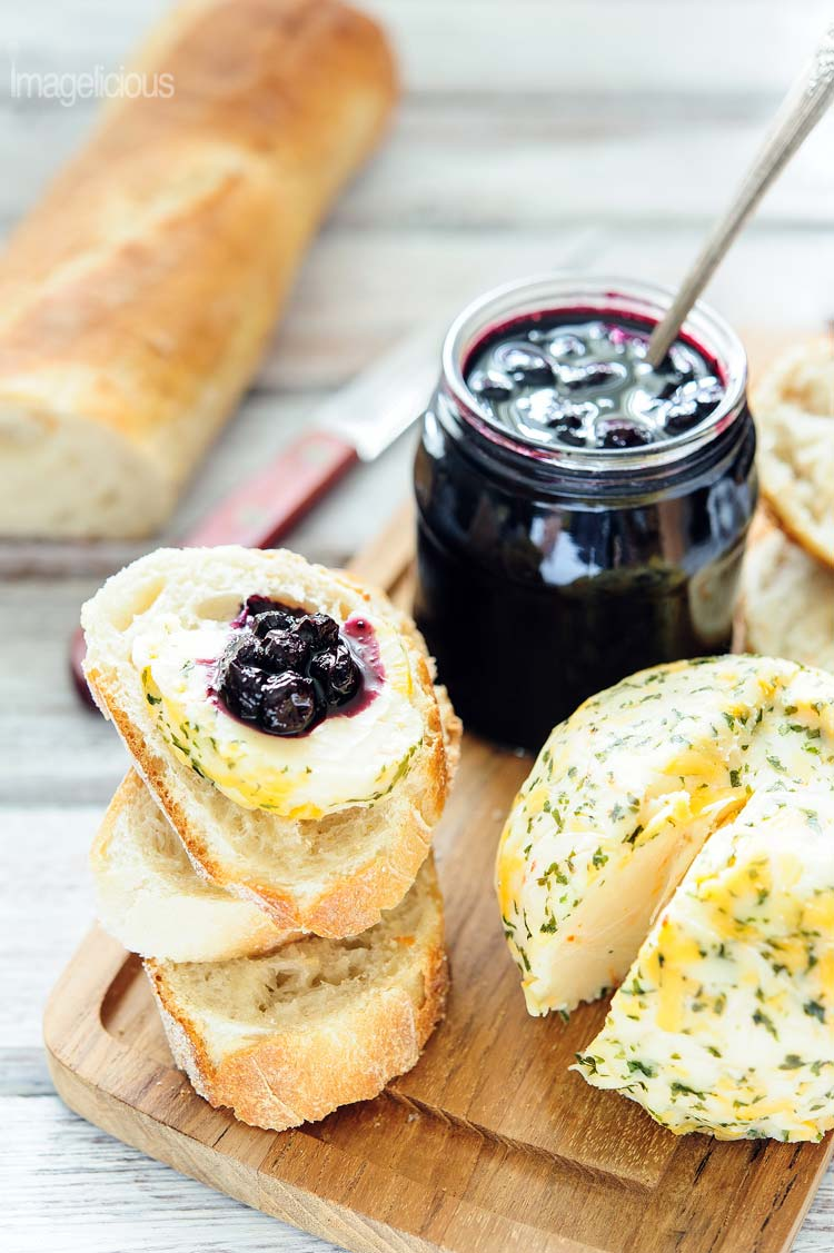 Blueberry and Balsamic Vinegar Jam - a few slices of baguette, cheese ball, and jam