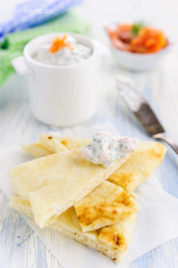 his light Smoked Salmon Dip is delicious and healthy, full of ricotta, greek yogurt and herbs. Perfect appetizer to satisfy salty craving | Imagelicious